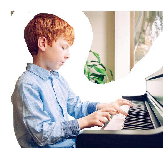 Apprendre le piano, enfant.